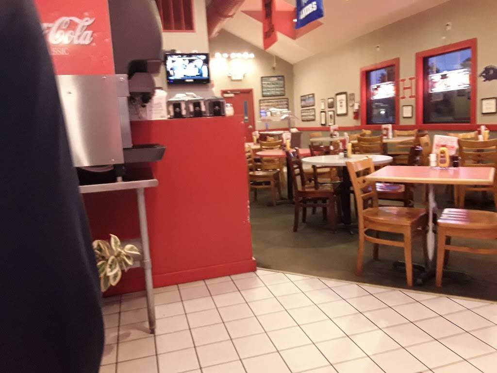 Eats N Treats | restaurant | 2315 E Perkins Ave, Sandusky, OH 44870, USA | 4196241118 OR +1 419-624-1118