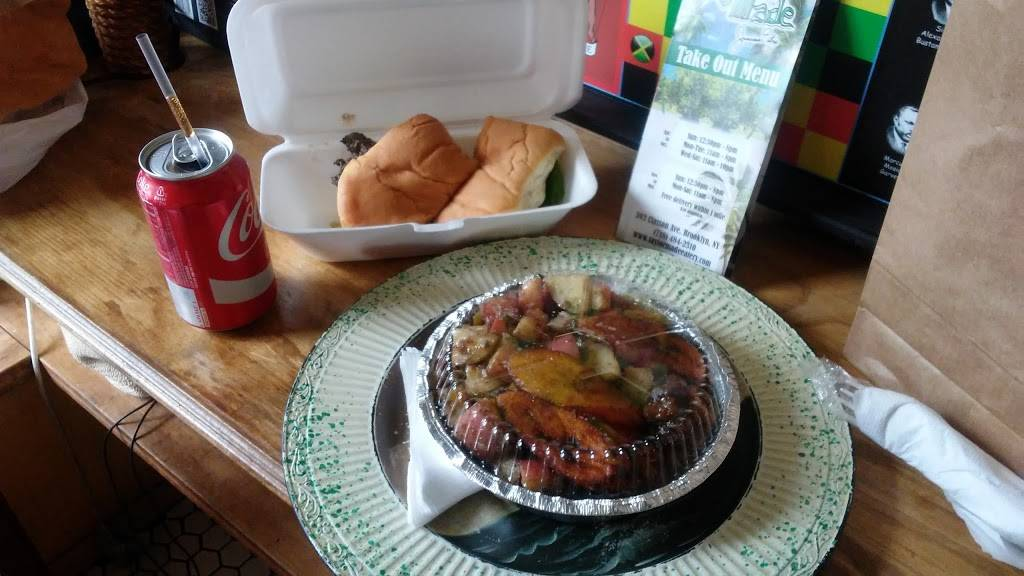 Taylor Made Jamaican Eatery | restaurant | 393 Classon Ave, Brooklyn, NY 11238, USA | 7184842310 OR +1 718-484-2310