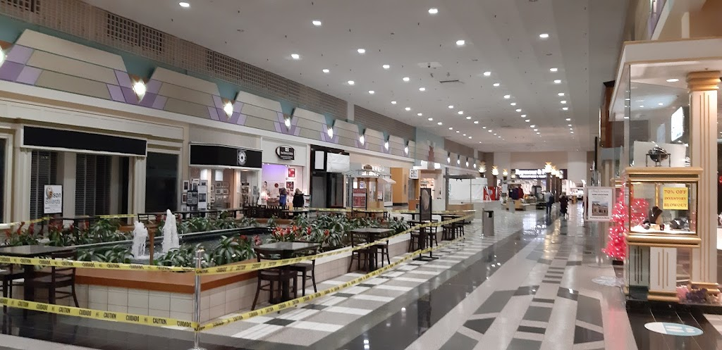 Eastern Hills Mall | shopping mall | 4545 Transit Rd, Williamsville, NY 14221, USA | 7166331600 OR +1 716-633-1600