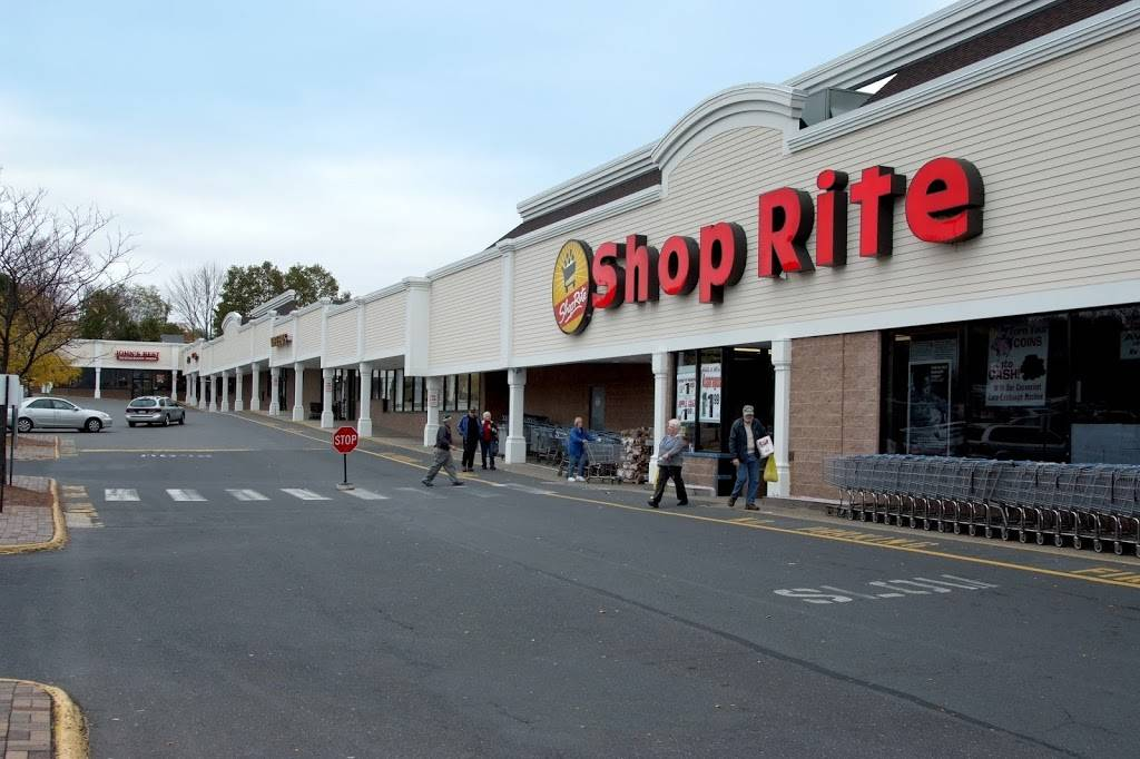 ShopRite Plaza - Brookfield | shopping mall | 143 Federal Rd, Brookfield, CT 06804, USA