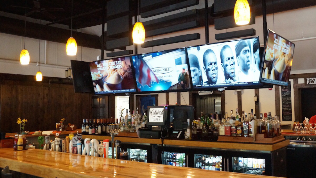 Wildwood Tavern | restaurant | 6480 W Touhy Ave, Niles, IL 60714, USA | 8476776663 OR +1 847-677-6663
