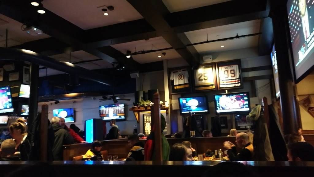 Boston Sports Grille   restaurant   132 Canal St, Boston, MA 02114, USA   8572847940 OR +1 857-284-7940
