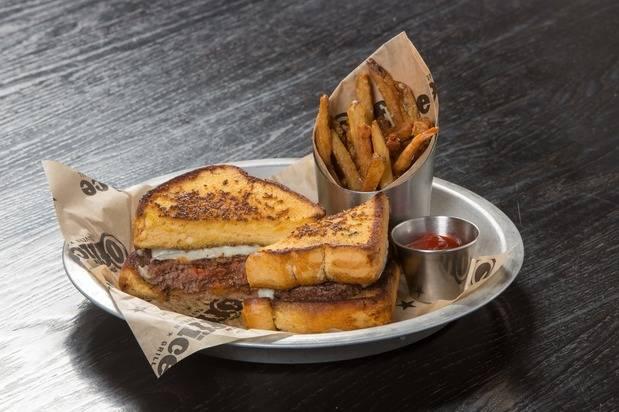 Office Tavern Grill | restaurant | 240 NJ-10, East Hanover, NJ 07936, USA | 9733865850 OR +1 973-386-5850