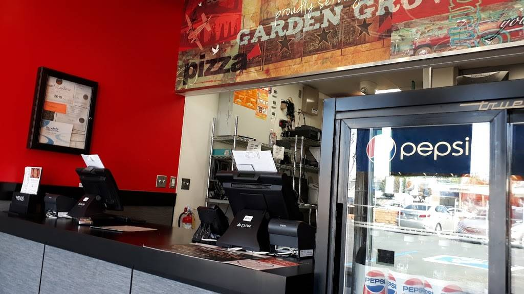 Pizza Hut | restaurant | 10072 Chapman Ave, Garden Grove, CA 92840, USA | 7146380661 OR +1 714-638-0661