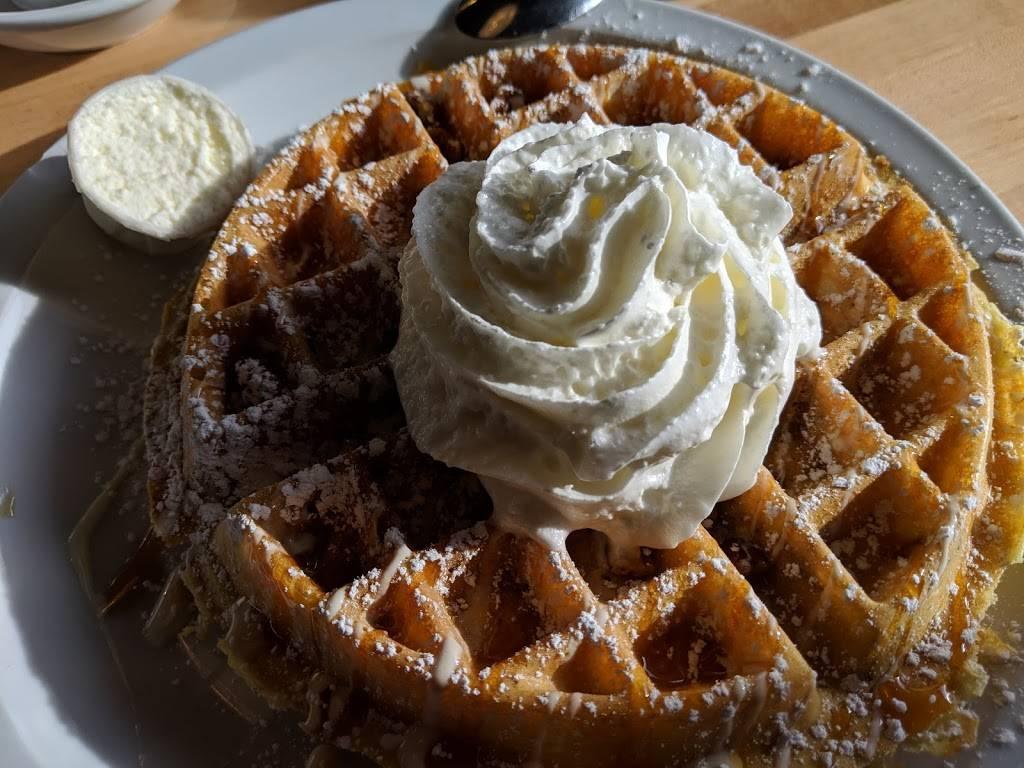 Brownstone Pancake Factory | restaurant | 717 E Palisade Ave, Englewood Cliffs, NJ 07632, USA | 2019454800 OR +1 201-945-4800