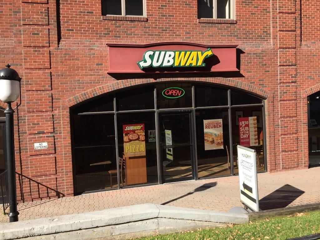 Subway Restaurants | restaurant | 5 Marine View Plaza, Hoboken, NJ 07030, USA | 2019429888 OR +1 201-942-9888