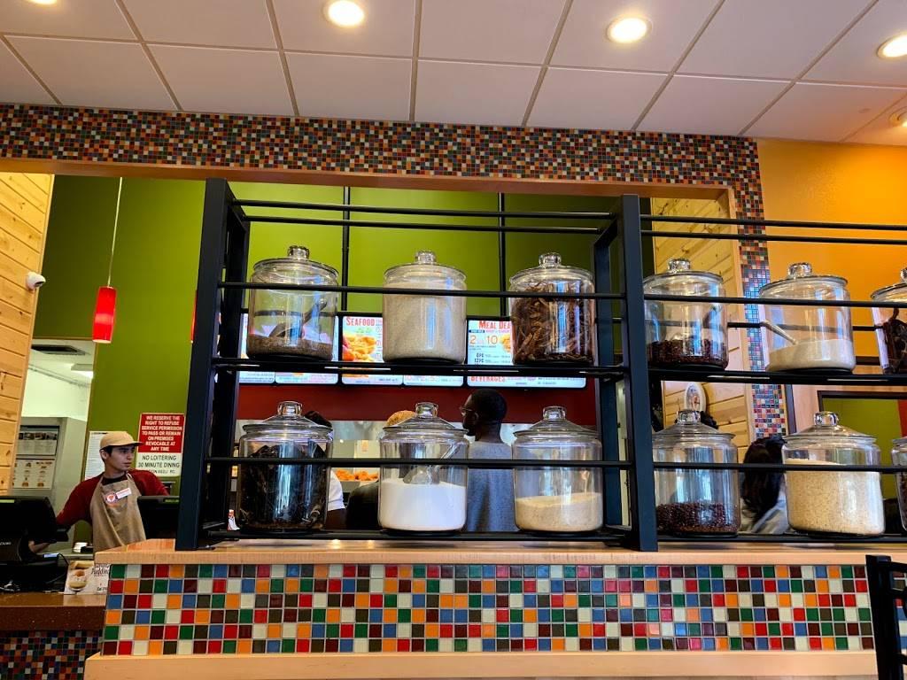 Popeyes Louisiana Kitchen Restaurant 6384 Hollywood Blvd Hollywood Ca 90028 Usa