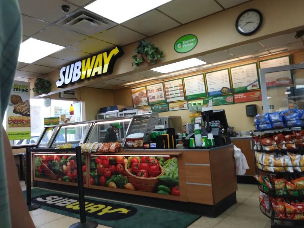 Subway | restaurant | 3306 Navigation Blvd, Houston, TX 77003, USA | 7132248841 OR +1 713-224-8841