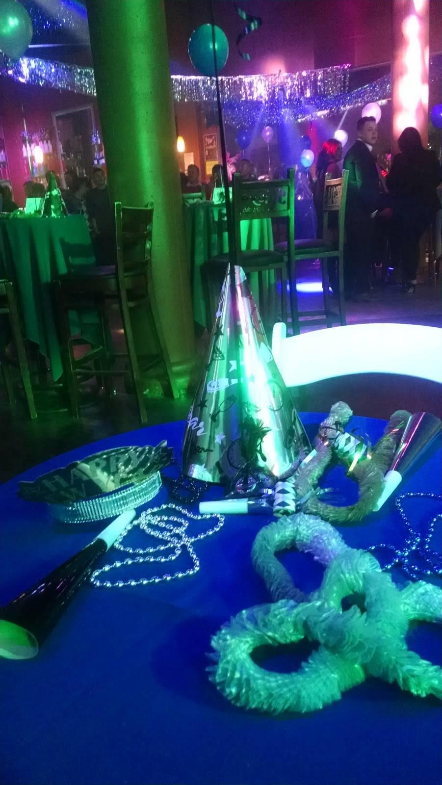Rubys Nightclub | night club | 348 S Oxnard Blvd, Oxnard, CA 93030, USA | 8054862169 OR +1 805-486-2169