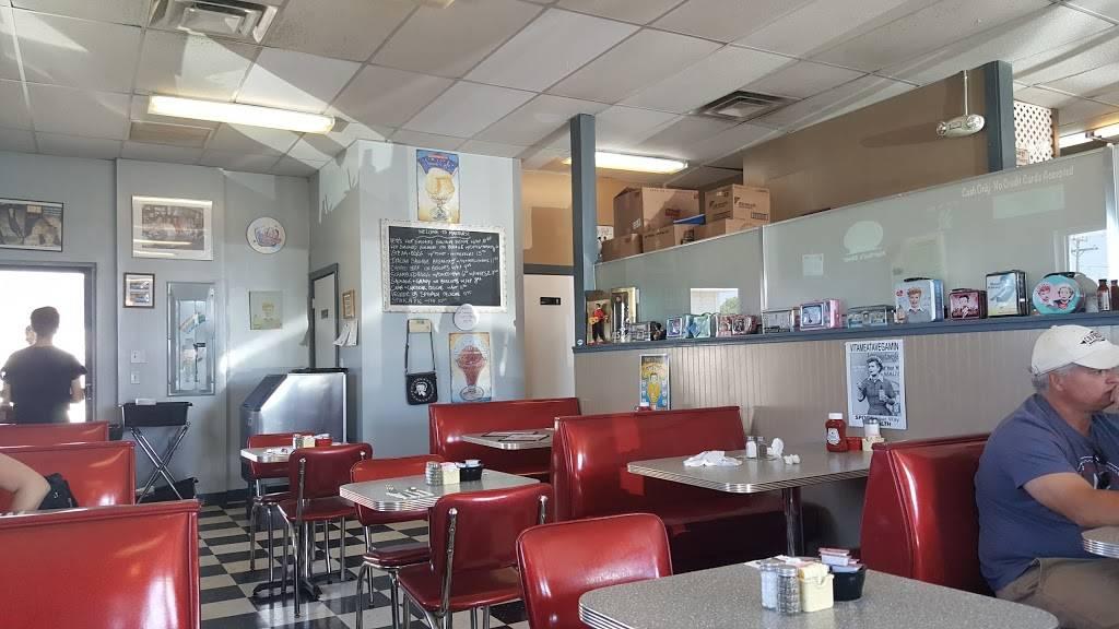 Marthas Diner | cafe | 151 High St # 7, Ellsworth, ME 04605, USA | 2076642495 OR +1 207-664-2495