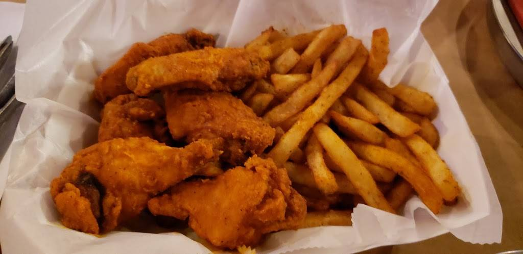 Crazy Crab | restaurant | 10160 Fairfax Blvd #102, Fairfax, VA 22030, USA | 7032727766 OR +1 703-272-7766