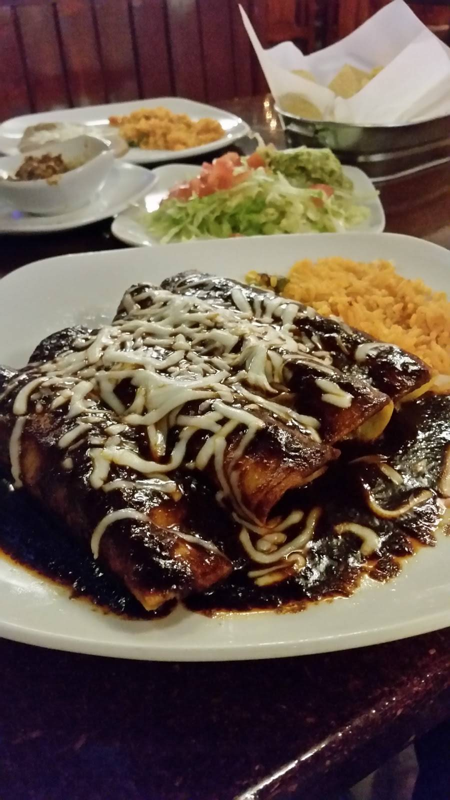 Cucos   restaurant   350 N Century Ave, Waunakee, WI 53597, USA   6088506180 OR +1 608-850-6180
