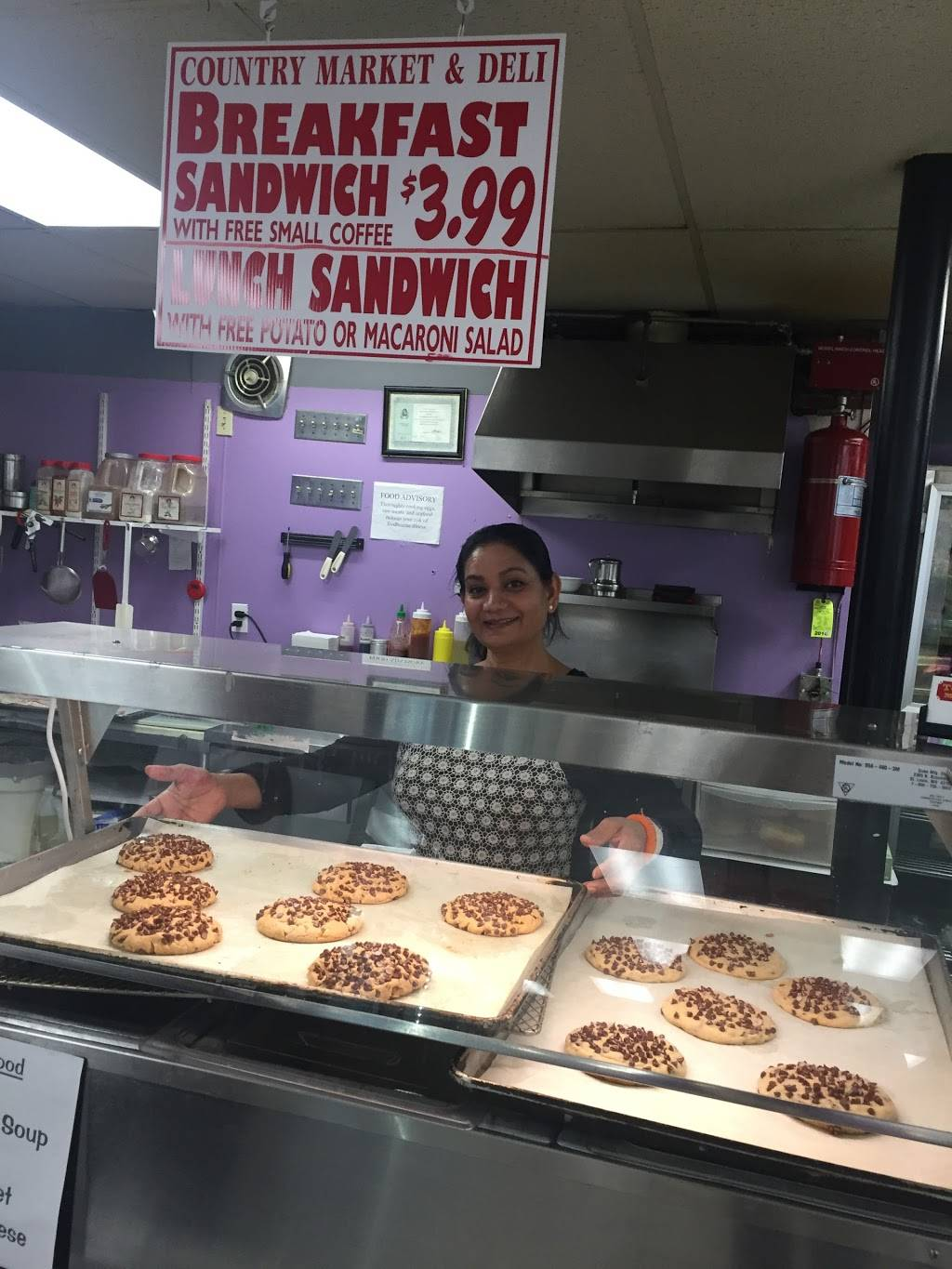 Town and Country Market & Deli | meal takeaway | 153 Glenwood Rd, Clinton, CT 06413, USA | 8606697243 OR +1 860-669-7243