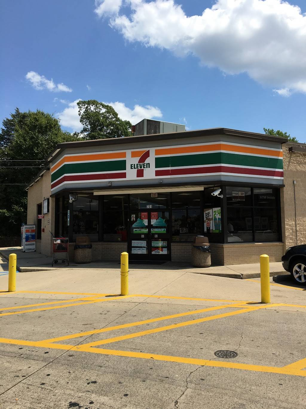 7-Eleven | bakery | 701 S Crater Rd, Petersburg, VA 23803, USA | 8048611628 OR +1 804-861-1628