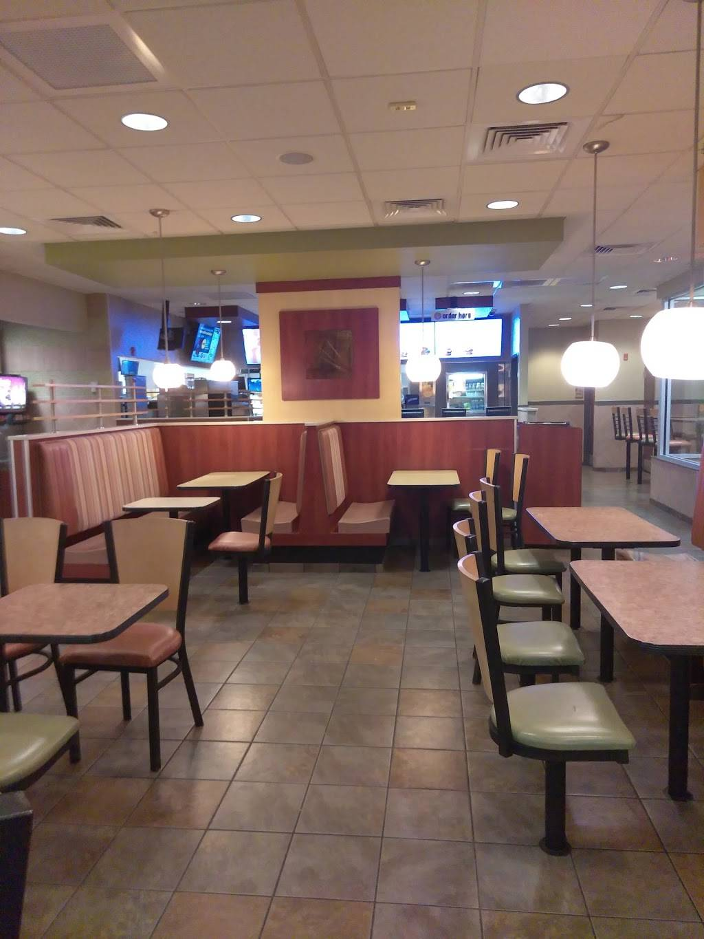 McDonalds | cafe | 507 Flatbush Ave, Hartford, CT 06106, USA | 8609531305 OR +1 860-953-1305
