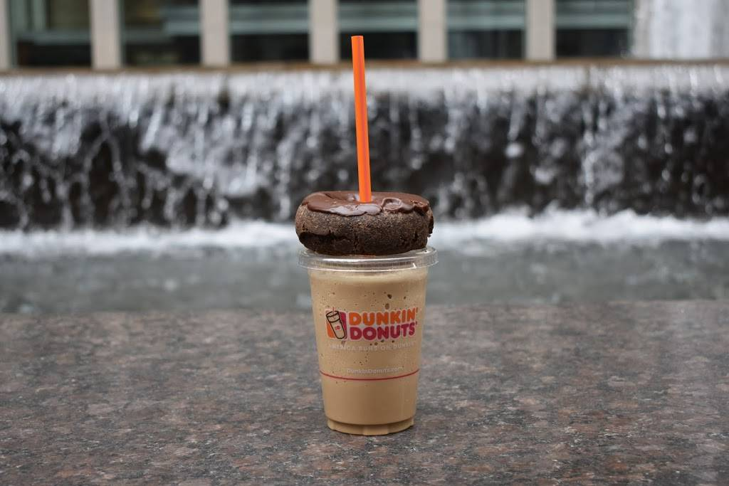 Dunkin Donuts | cafe | 240 W 40th St Between 7th & 8th Avenues, New York, NY 10018, USA | 2123959280 OR +1 212-395-9280