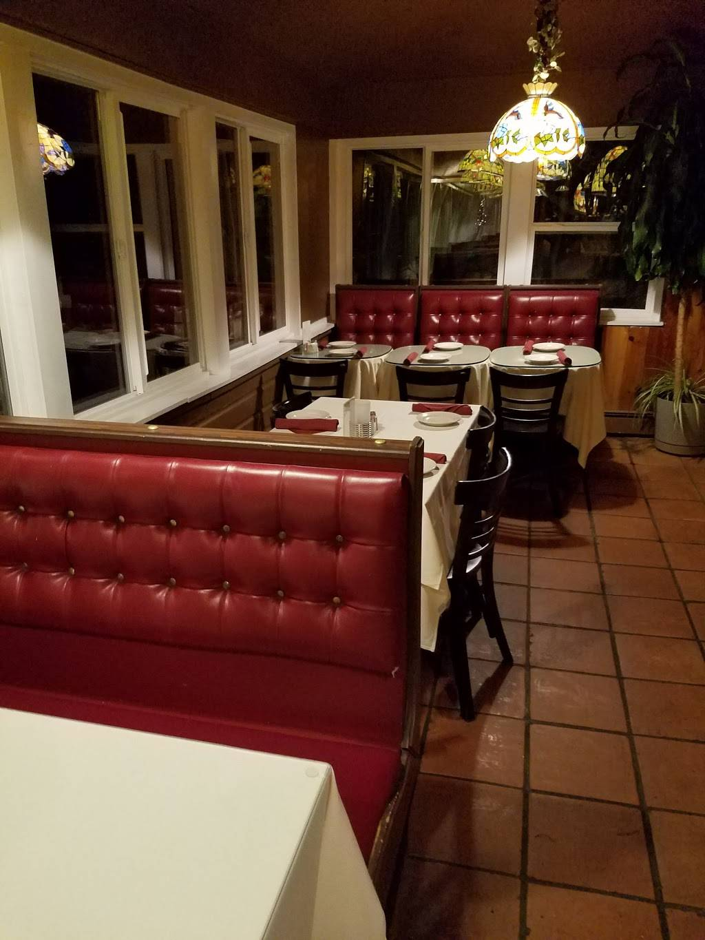 Anchor House Restaurant and Catering | restaurant | 2589 Boston Rd, Wilbraham, MA 01095, USA | 4135963055 OR +1 413-596-3055