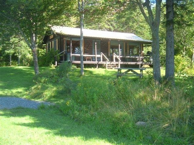 At Bear Tree | restaurant | 118 Glen Rd, Pittsburg, NH 03592, USA | 6035389995 OR +1 603-538-9995