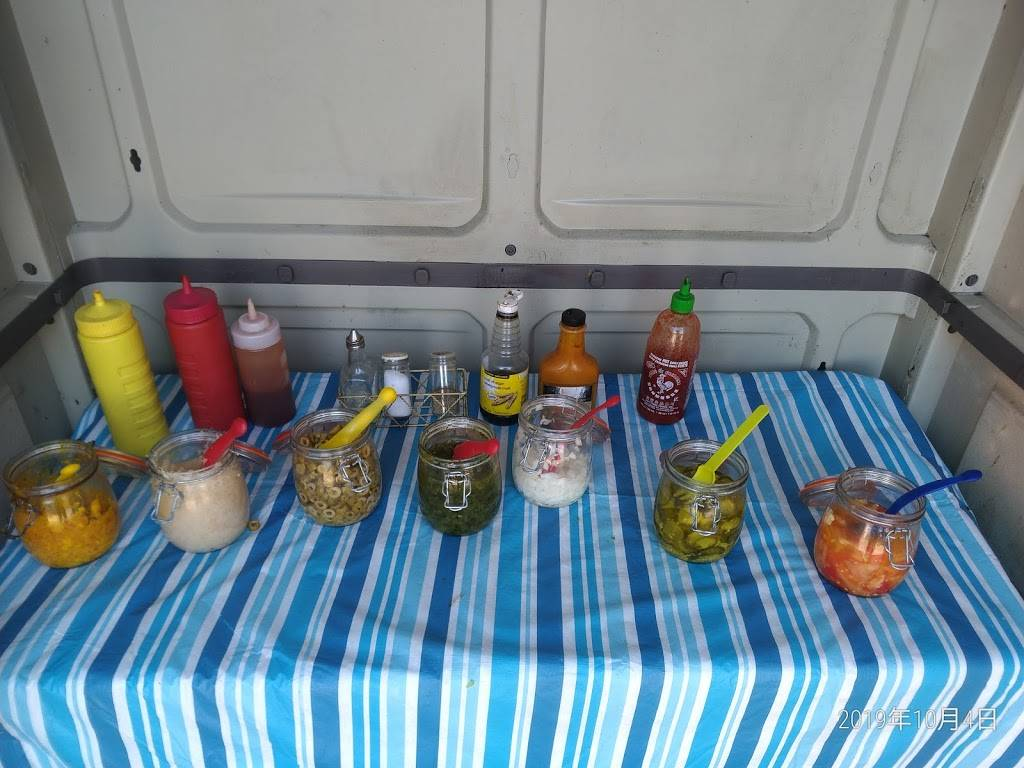 Sausage on a bun stand | restaurant | 441 Gibb St, Oshawa, ON L1J 1Z4, Canada