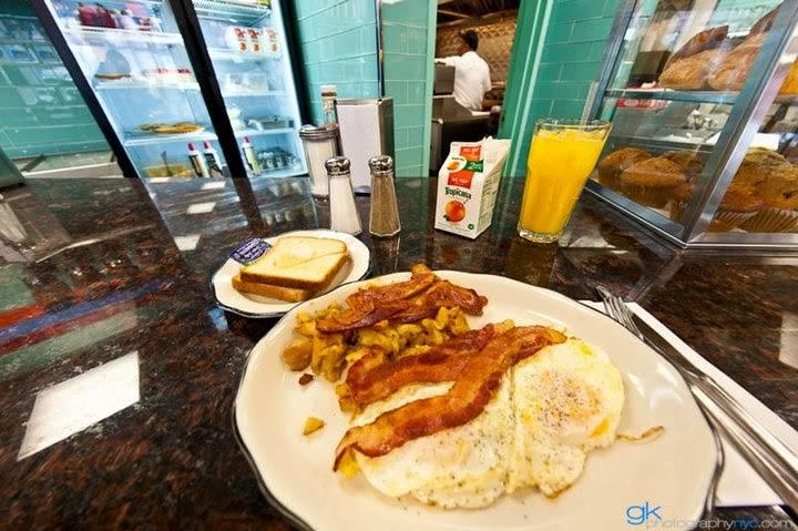 JRs | restaurant | 5816 59th St, Maspeth, NY 11378, USA | 7184164300 OR +1 718-416-4300