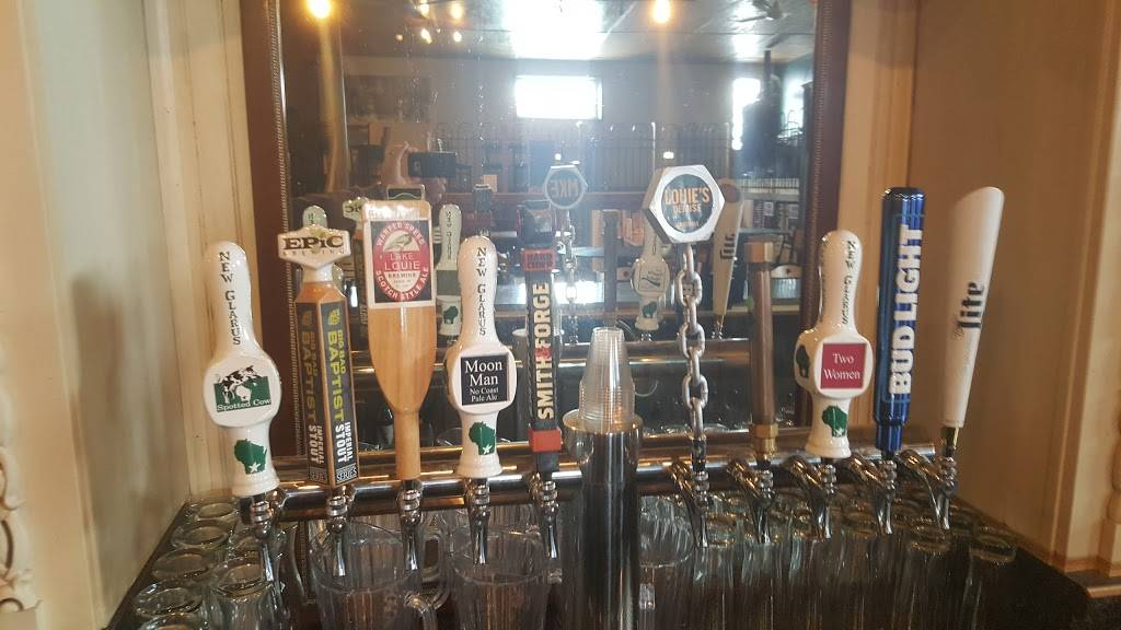 Dukes Brewpub and Ale House | restaurant | 105 E Chapel St, Dodgeville, WI 53533, USA | 6089302900 OR +1 608-930-2900