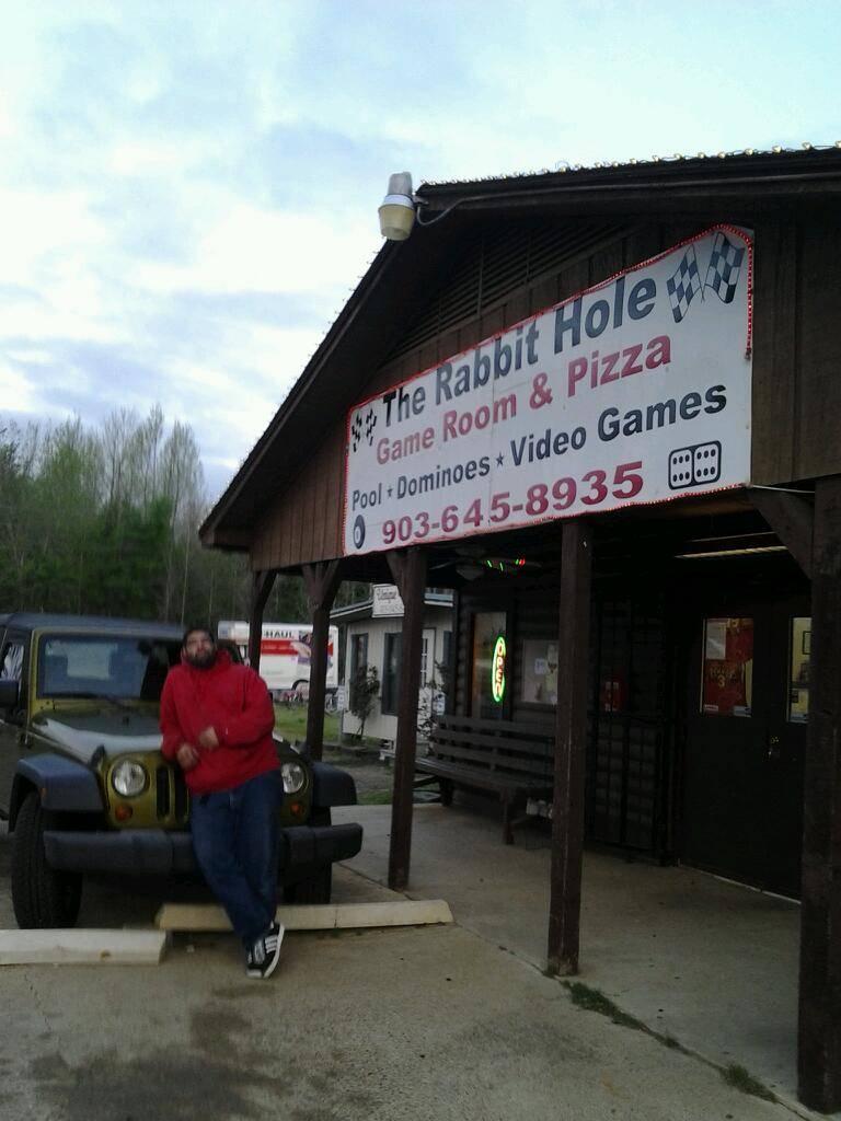 Rabbit Hole Game Room | restaurant | 4510 TX-11, Daingerfield, TX 75638, USA | 9036458935 OR +1 903-645-8935