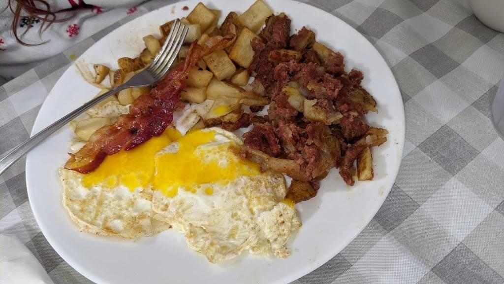 The Barnyard | restaurant | 8671 Lake Rd, Barker, NY 14012, USA | 7167955002 OR +1 716-795-5002