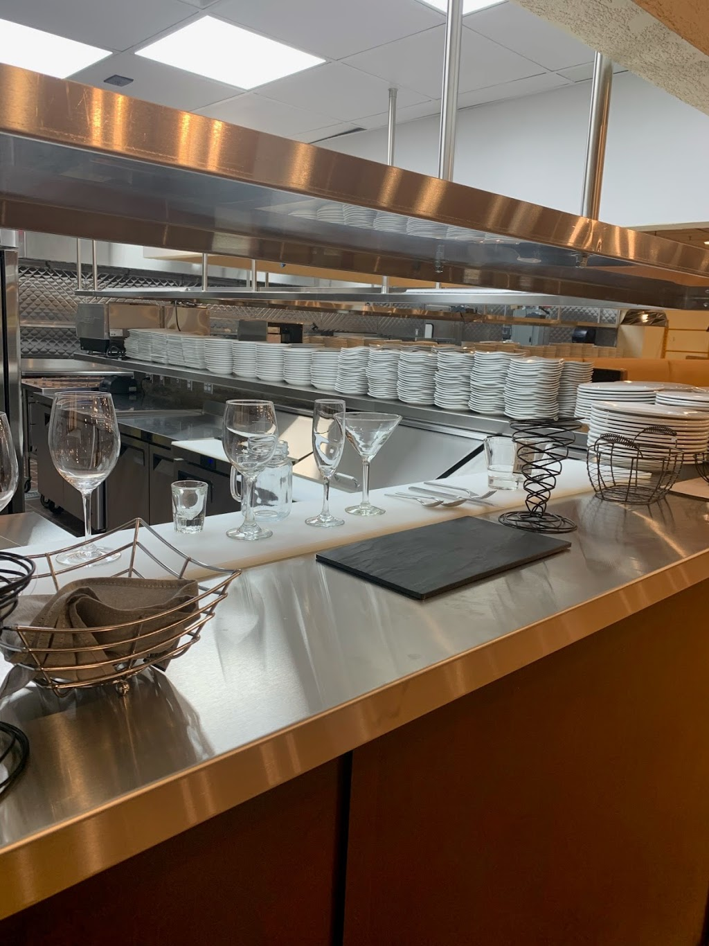 OUR PLACE Kitchen & Bar | restaurant | 1A Newbury St, Peabody, MA 01960, USA | 9788172432 OR +1 978-817-2432