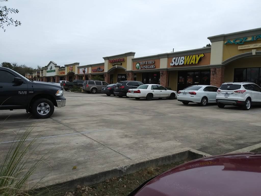 Subway | meal takeaway | 1602 Bienville Hwy, Ocean Springs, MS 39564, USA | 2288724535 OR +1 228-872-4535
