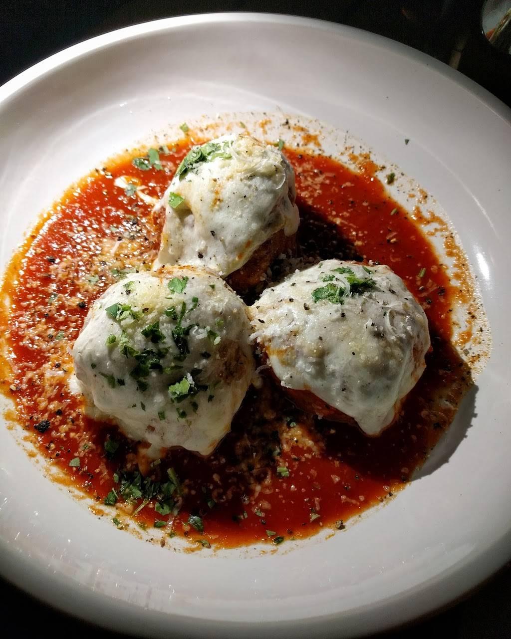 Leones Italian | restaurant | 455 Granby St, Norfolk, VA 23510, USA | 7576241455 OR +1 757-624-1455