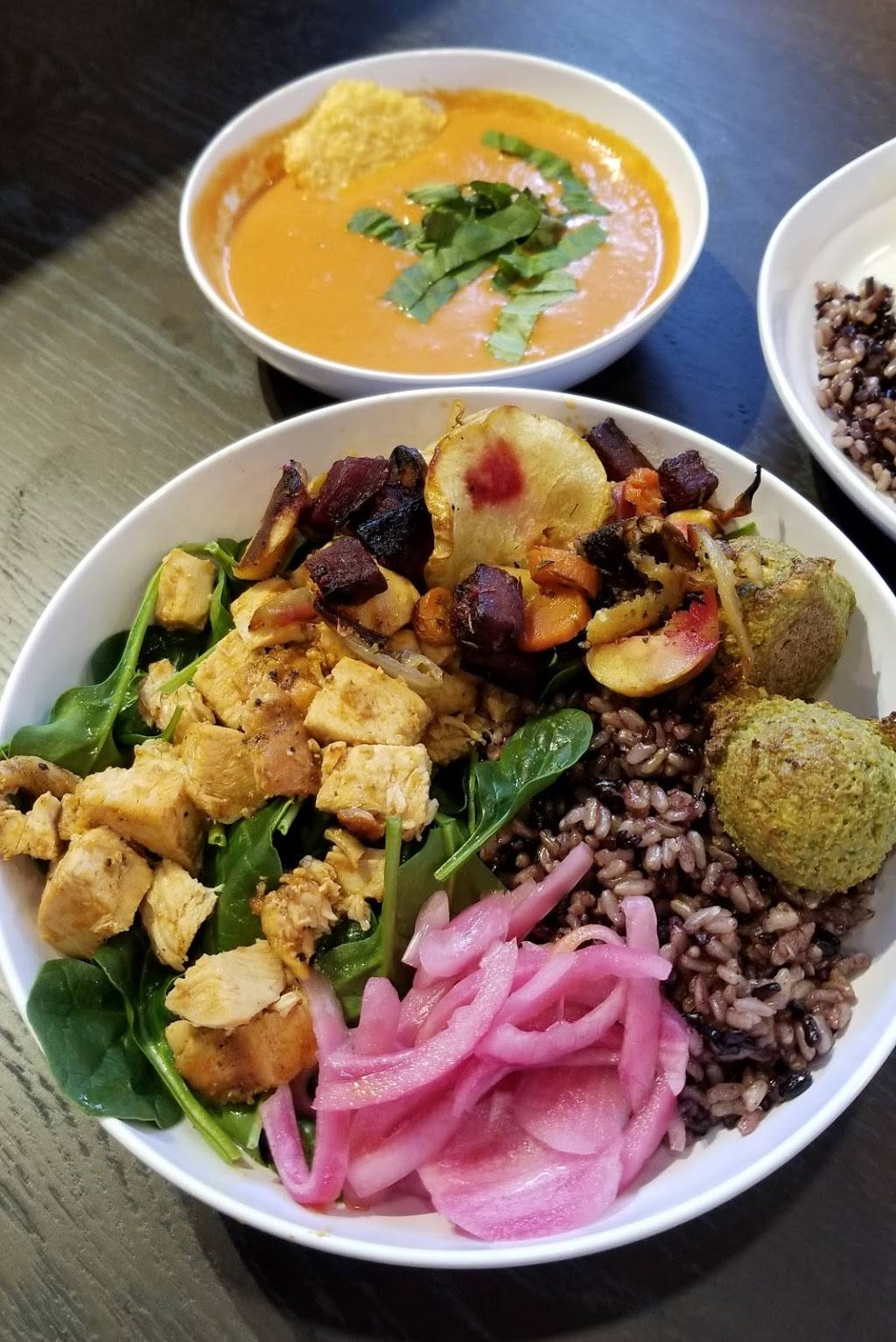 CoreLife Eatery | restaurant | 2512 N Prospect Ave, Champaign, IL 61822, USA | 2176936993 OR +1 217-693-6993