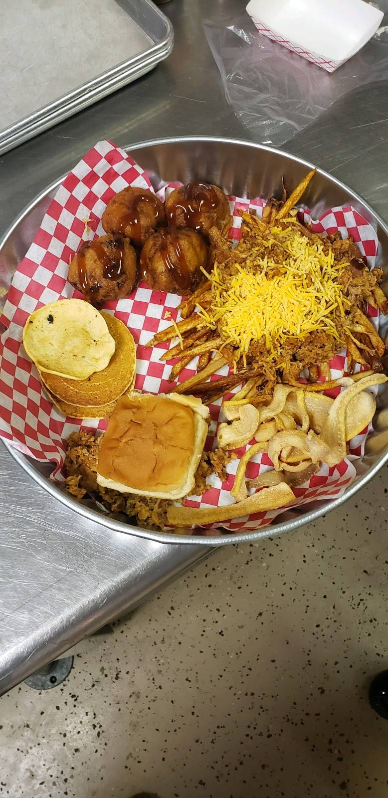 Bellamys BBQ & Country Catering | restaurant | 473 Quinby Plaza Way, Quinby, SC 29506, USA | 8434076107 OR +1 843-407-6107