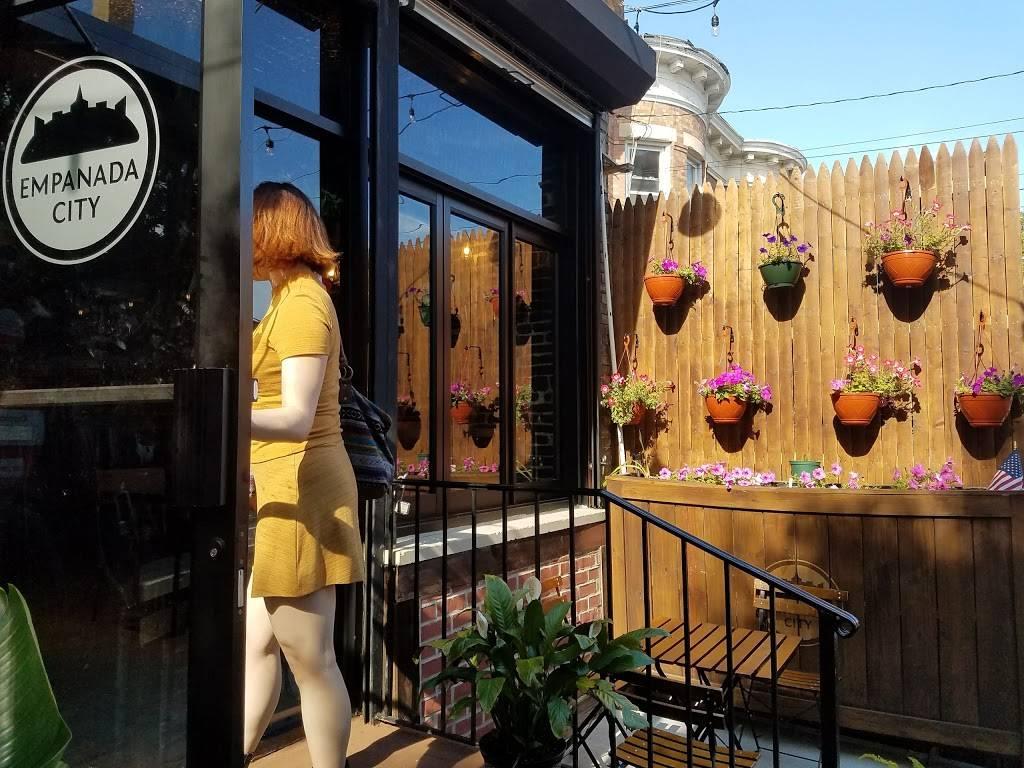 Empanada City   cafe   363 Lincoln Rd, Brooklyn, NY 11225, USA   7183635252 OR +1 718-363-5252