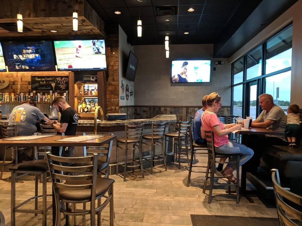 The Brass Tap   restaurant   856 E, TX-114, Roanoke, TX 76262, USA   6822377780 OR +1 682-237-7780