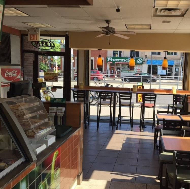Subway | restaurant | 696 St Clair Ave W, Toronto, ON M6C 1A9, Canada | 4169160699 OR +1 416-916-0699