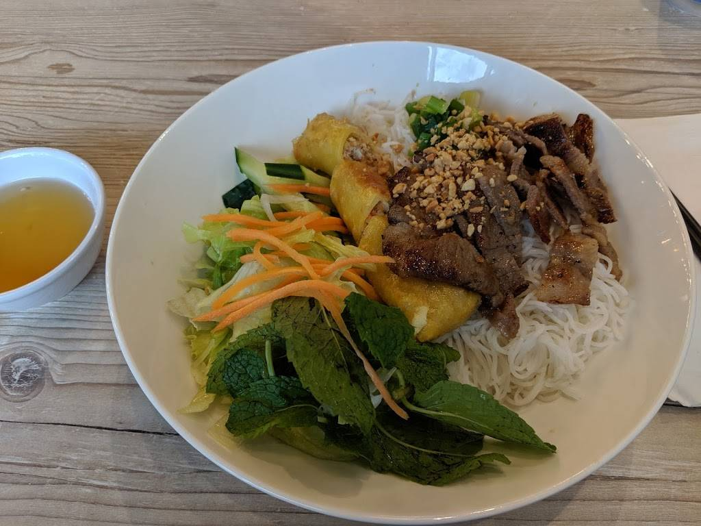 Southeast Mango Viet - Thai Cuisine | restaurant | 5019 Spectrum Way Unit A3, Mississauga, ON L4W 0E4, Canada | 9052821111 OR +1 905-282-1111
