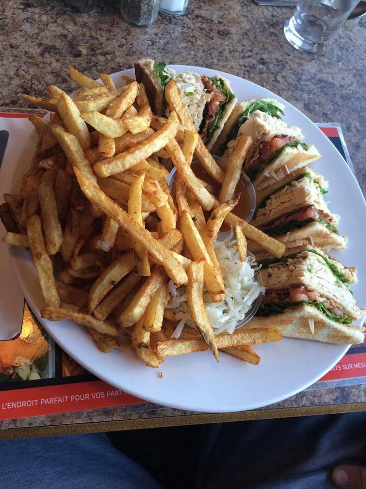 Rotisserie Chez Maryan Enr   restaurant   3003 Rang des Chutes, Saint-Édouard-de-Maskinongé, QC J0K 2H0, Canada   8192283673 OR +1 819-228-3673
