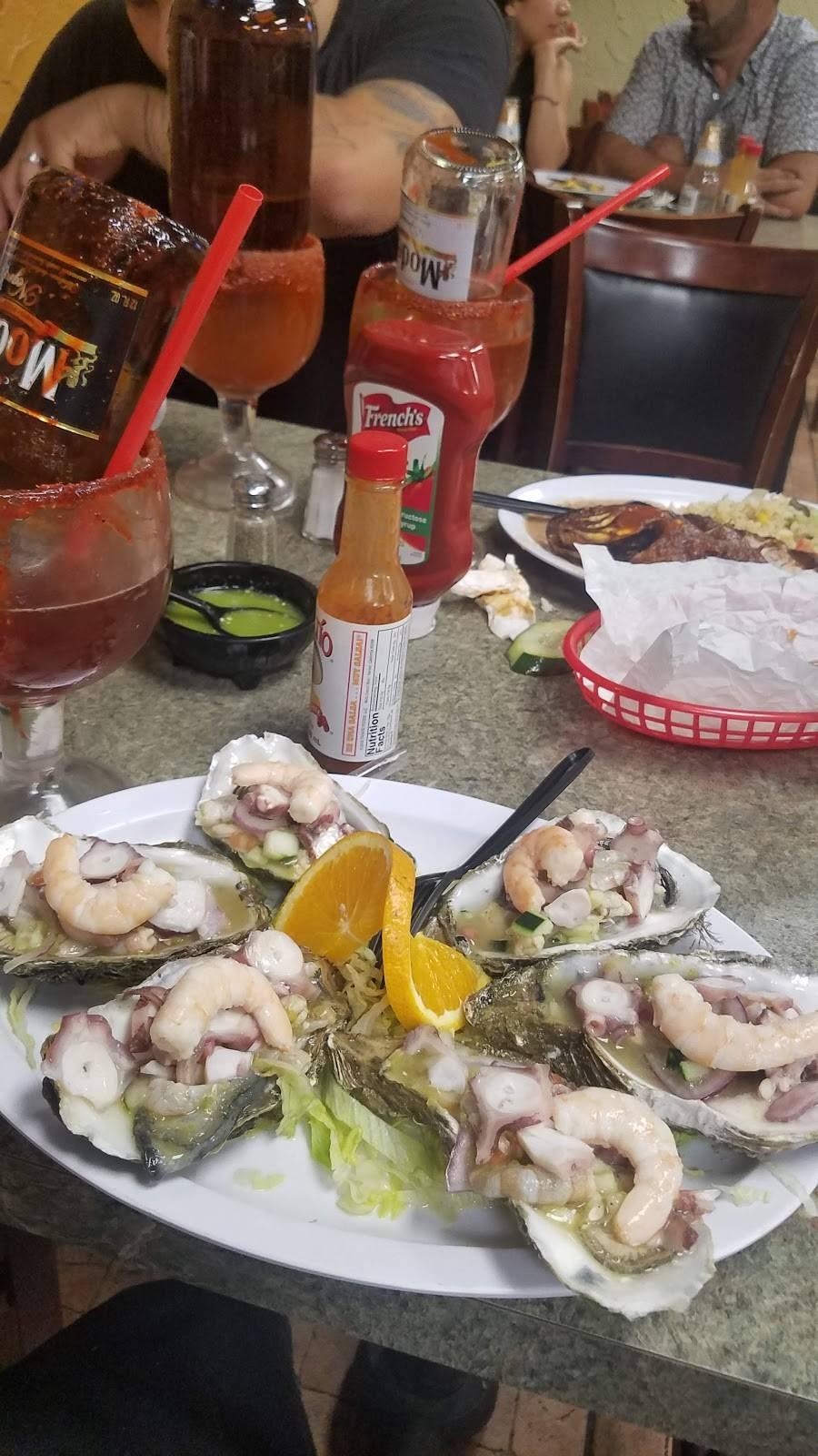 Mariscos Camarena | restaurant | 2055 Glenoaks Blvd, San Fernando, CA 91340, USA | 8186984237 OR +1 818-698-4237
