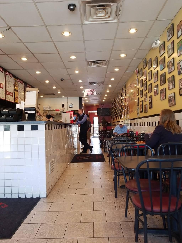 Dear Franks of Deerfield   restaurant   3205, 843 Waukegan Rd, Deerfield, IL 60015, USA   8479456666 OR +1 847-945-6666