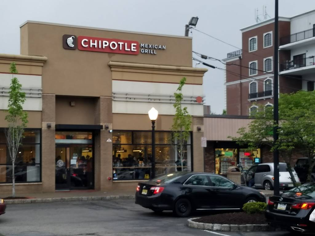 Chipotle Mexican Grill | restaurant | 10 Nathaniel Pl, Englewood, NJ 07631, USA | 2016080287 OR +1 201-608-0287