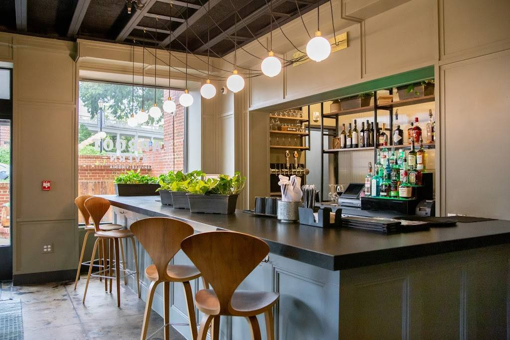 Taproot Tavern | restaurant | 202 High St, Farmville, VA 23901, USA | 4346581400 OR +1 434-658-1400