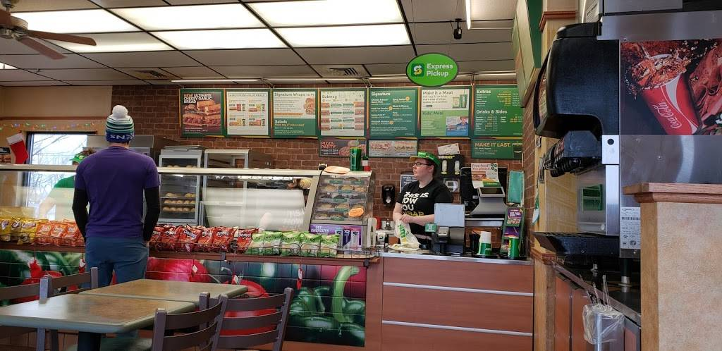 Subway | restaurant | 1400 WI-23, Dodgeville, WI 53533, USA | 6089355889 OR +1 608-935-5889