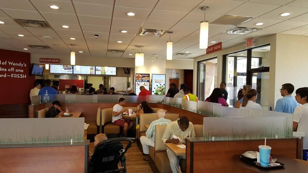 Wendys   restaurant   61-11 Fresh Pond Rd, Middle Village, NY 11379, USA   7188210225 OR +1 718-821-0225