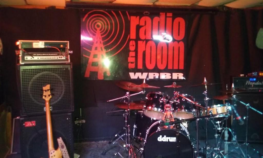 The Radio Room   restaurant   110 Poinsett Hwy, Greenville, SC 29609, USA   8646094441 OR +1 864-609-4441