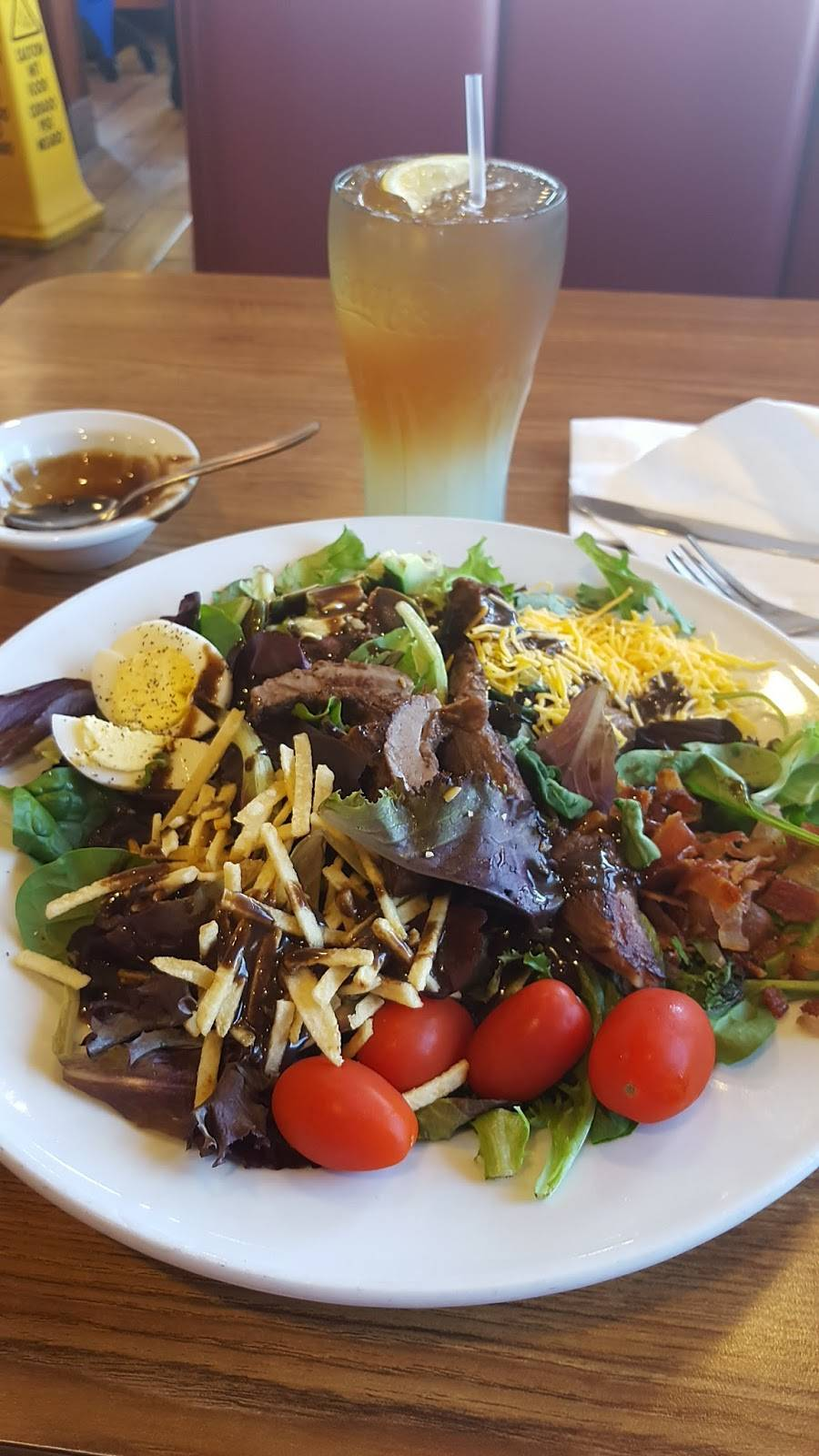 Dennys | restaurant | 1041 Truman St, San Fernando, CA 91340, USA | 8183653048 OR +1 818-365-3048