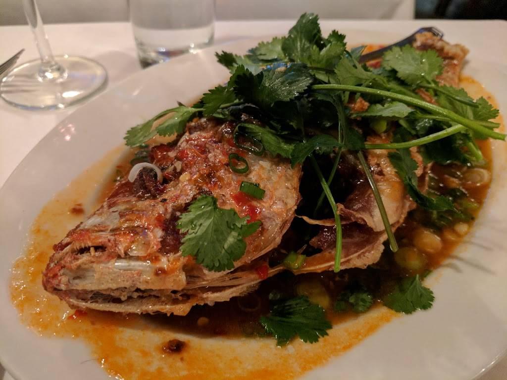 Le Colonial Chicago | restaurant | 57 E Oak St, Chicago, IL 60611, USA | 3122550088 OR +1 312-255-0088