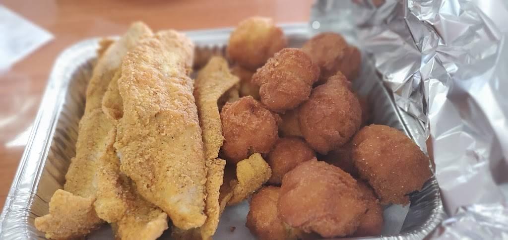 Supreme Fish Delight, Wesley Chapel | restaurant | 2722 Wesley Chapel Rd, Decatur, GA 30034, USA | 4042849520 OR +1 404-284-9520