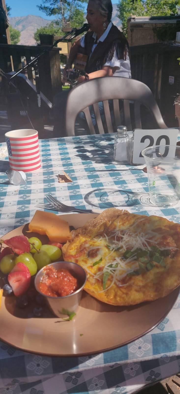 The Blue Coyote | restaurant | 7355 E 200 S, Huntsville, UT 84317, USA | 9544784950 OR +1 954-478-4950