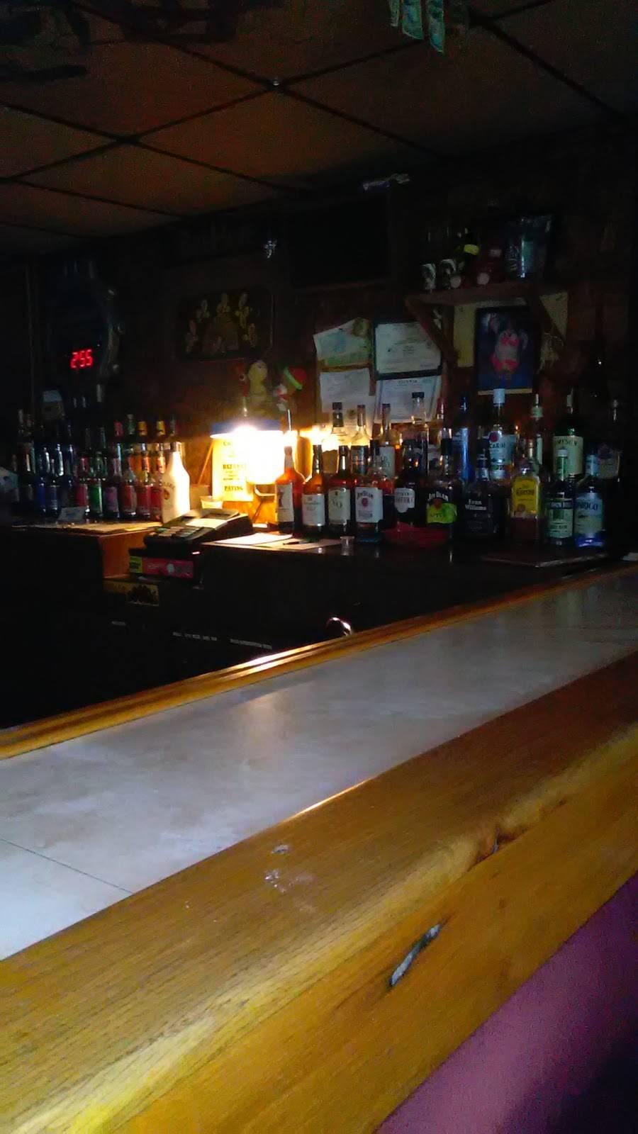 Bee Hive   restaurant   1171-1303 IL-37, Buncombe, IL 62912, USA   6187591454 OR +1 618-759-1454