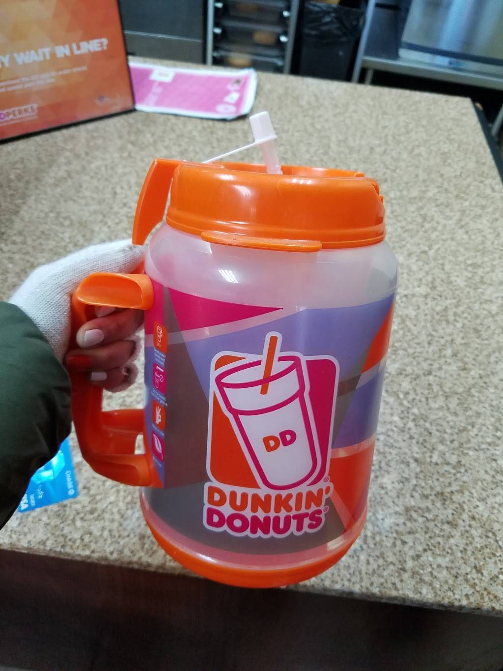 Dunkin Donuts | cafe | 3201 W Cermak Rd, Chicago, IL 60623, USA | 7732770906 OR +1 773-277-0906